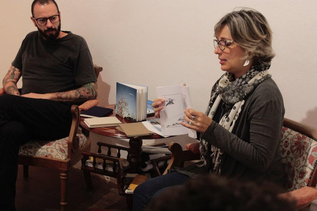 Leituras etílicas: encontro, vinho e livros de artista - Foto: Marcia Gadioli